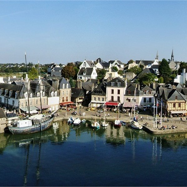 old-town-of-auray-2243142_1280
